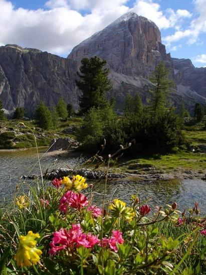 Dolomits_Italy_06.jpg