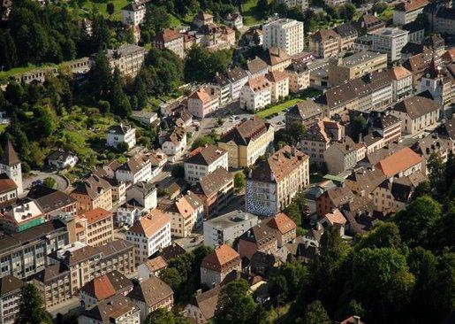 Clock_making_town_Swiss_LaChaux_de_Fonds_02.jpg