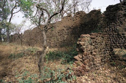 Ruins of Loropeni_BurkinaFas0_03.jpg