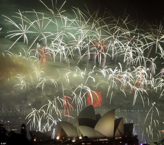 HappyNewYear2010_Sydney_d.jpg