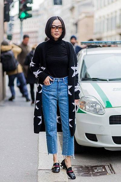 everyone-is-wearing-vetements-denim-at-fashion-week-2.jpg