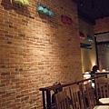 很有名的MIGO咖啡店梨大店