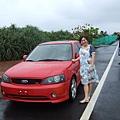 一號與村長的紅色跑車,有覺得哪裡怪嗎?