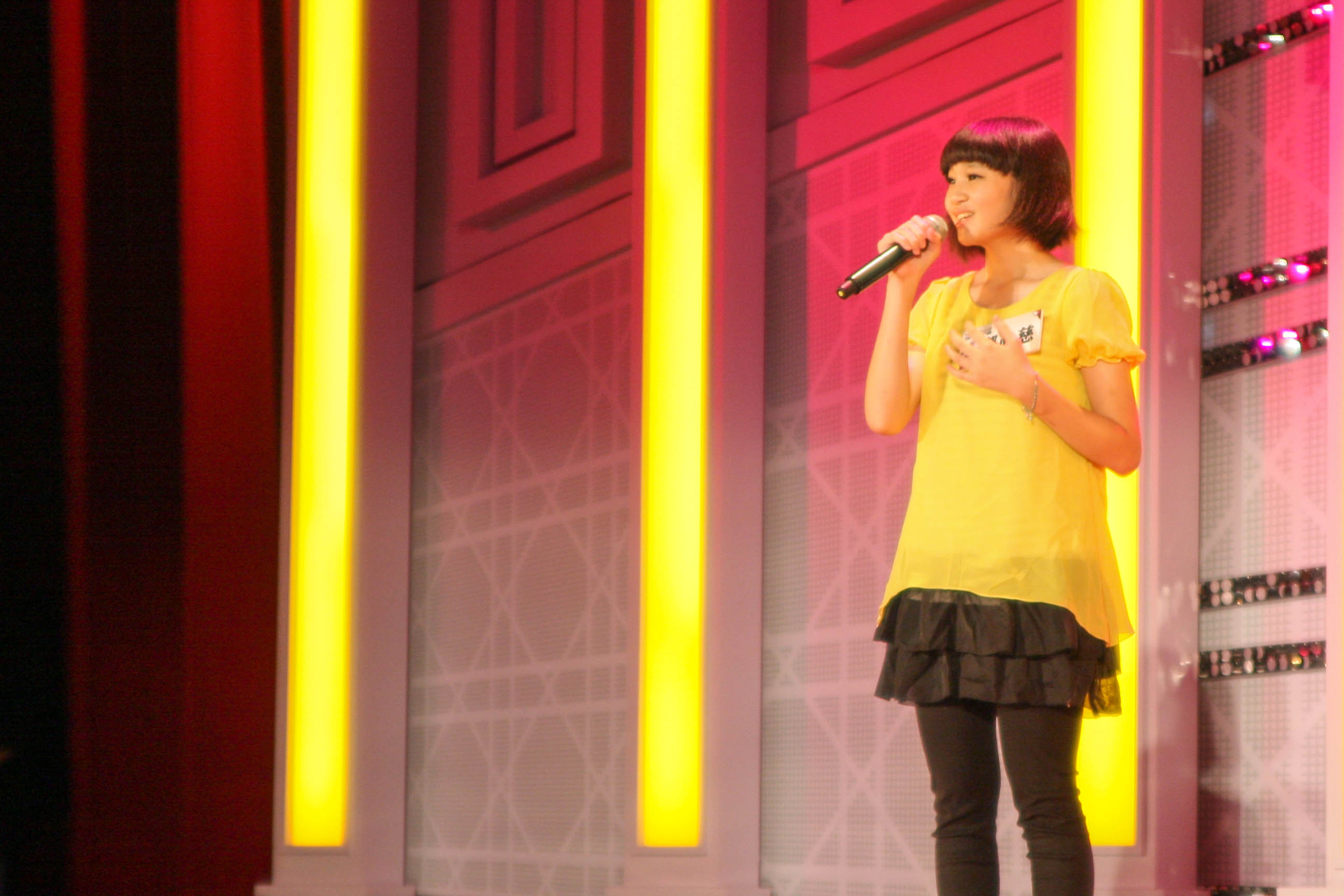 年僅14歲的鄭心慈小小年紀卻有超齡的演唱技巧