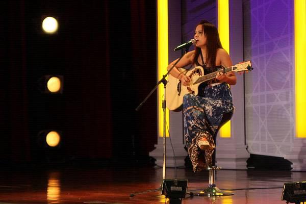 馬瑩姍自信嘹亮的歌聲令人驚艷