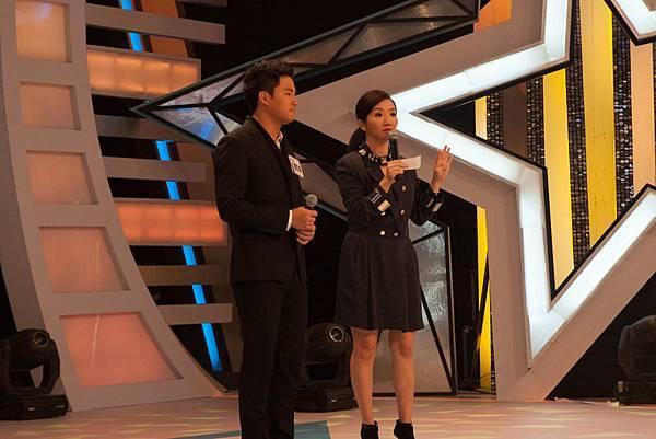 主持人陶晶瑩認為小胖老師和廖哲偉在打情罵俏