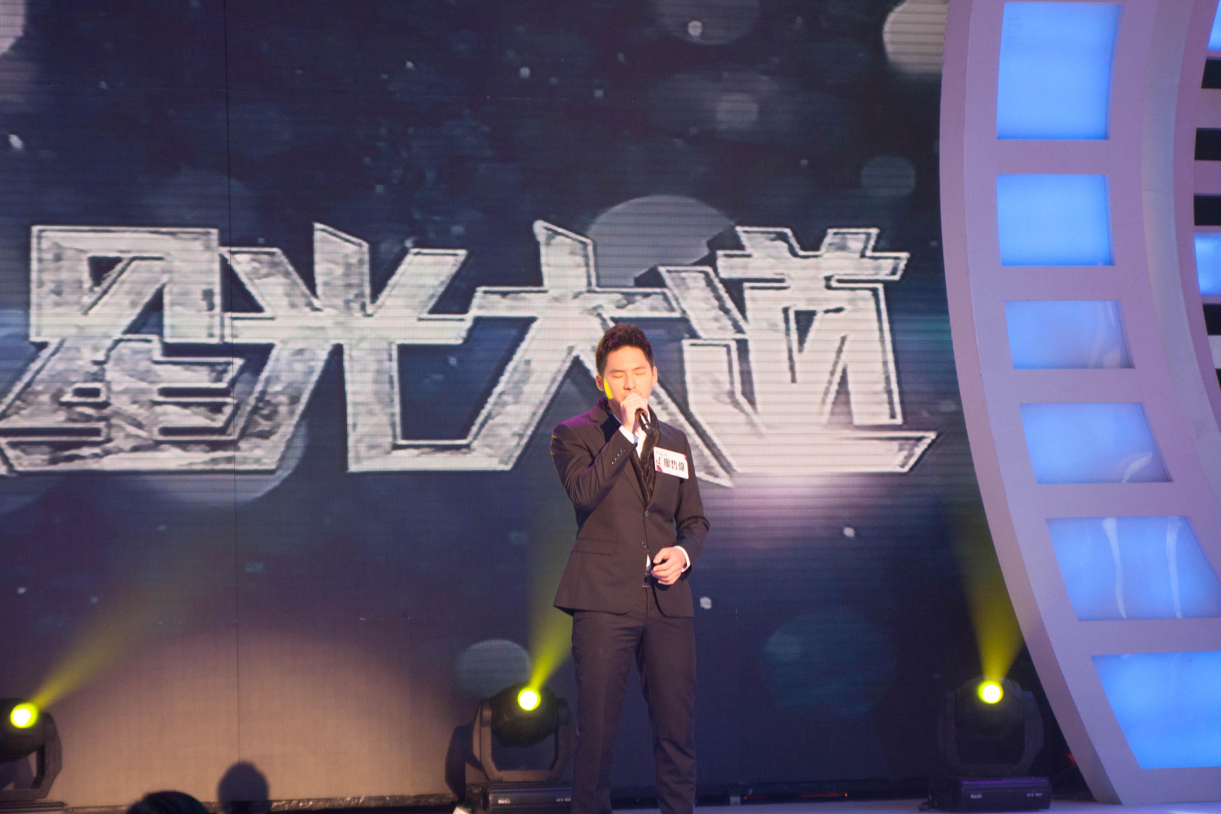 歌聲相當吸引評審的廖哲偉 讓評審差點忘了給分