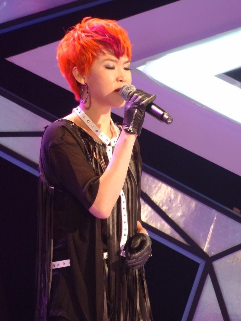賴淞鳳爆發力十足演唱《分身》