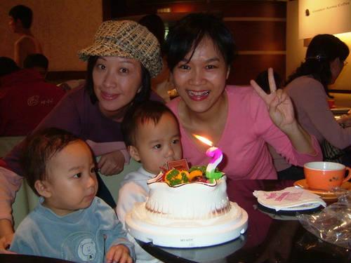 超可愛小天使双胞胎兩歲生日