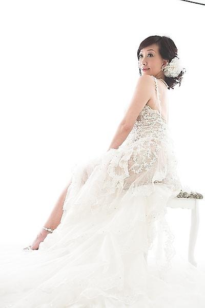 香娜好久沒當婚紗Model了