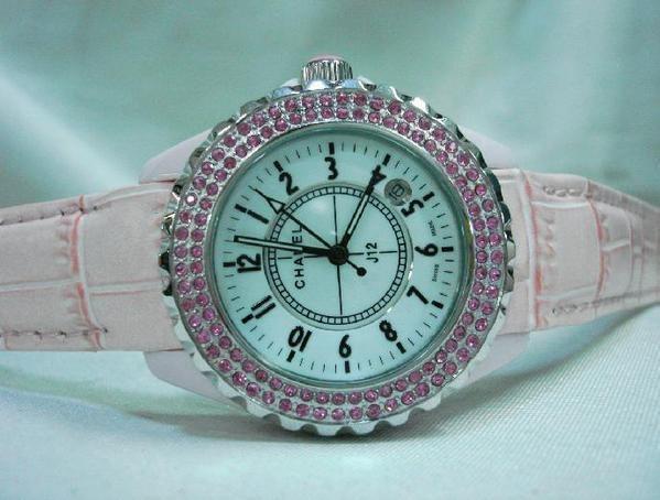 Chanel香奈兒 真皮錶帶 粉色女款 外圈鑲粉鑽.jpg