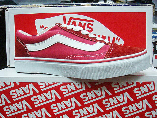 VANS 時尚滑板鞋 反毛帆布 紅白條 休閒鞋.jpg