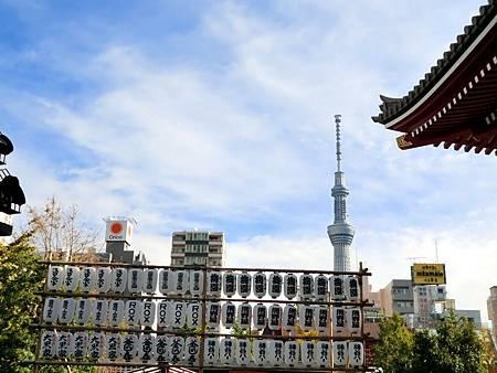 從淺草寺拍天空樹 (1)