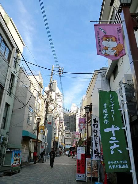從淺草寺拍天空樹 (3)