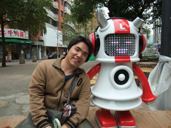 音響機器人..好好玩咧