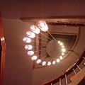 樓梯間的吊燈