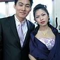 英俊的新郎和美麗的新娘