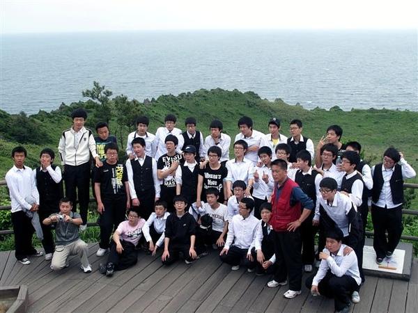 大舅和韓國學生合照