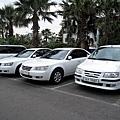 一整排都是韓國現代的車,真是很愛國貨
