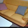 1103516556-三人座沙發實品照.jpg