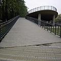 興大正門口的公園的斜坡