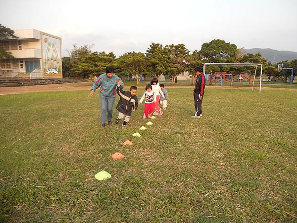 發展遲緩的孩子也練球.jpg