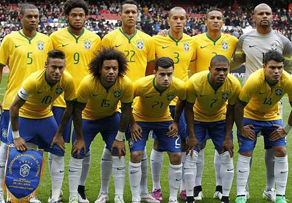 brazil-team-photo-chile_113kc45m0txcf15begb70kct9s