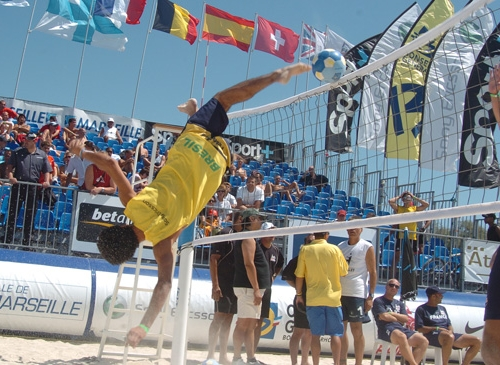 beach-footvolley1.jpg