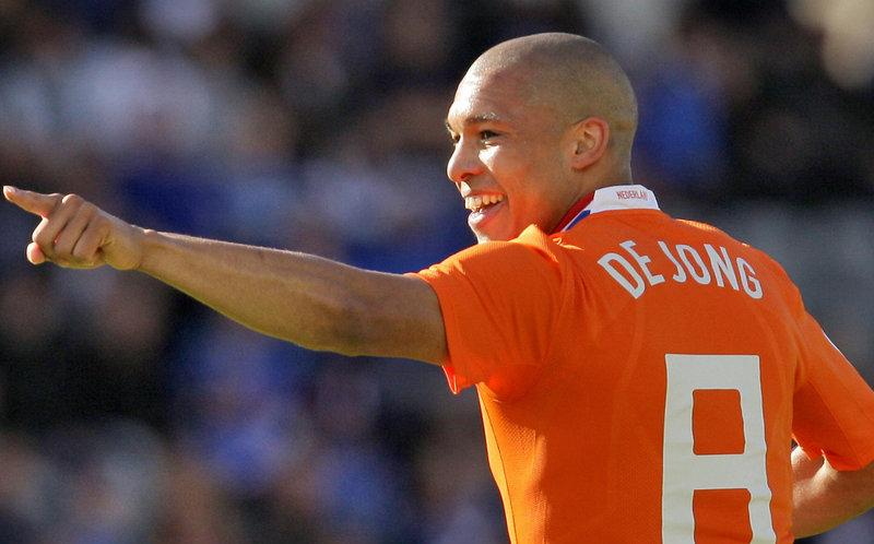 Nigel-de-Jong-Holland-Man-City.jpg