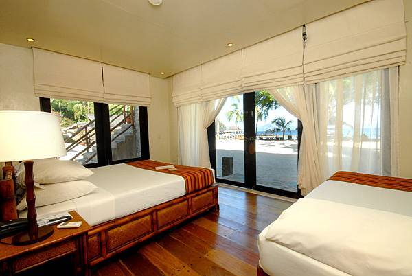 04.Miniloc Island Resort - Beachside Room Interior.JPG