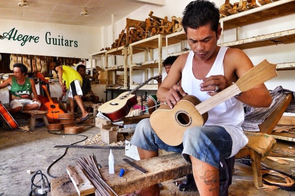 Cebu-Quality-Guitars-600x400.jpg