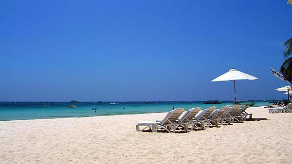 Philippines-Panay-Negros-Sugar-Islands-Caticlan-Boracay-Beach-Chairs-200604-01