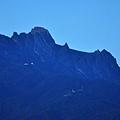 其實我們要爬的是京那巴魯山中最高的羅斯峰Low's