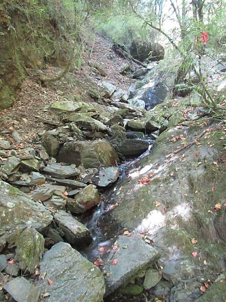 接至有水溪溝