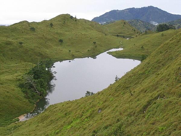 滿水位的七彩湖