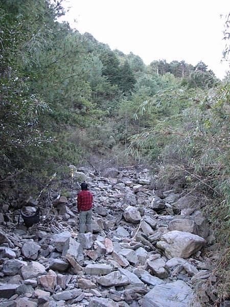 下切至乾溪溝後繼續上溯