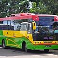 搭乘市區公車Sektor 2前往獨立廣場