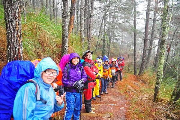 下點小雨不減我們上山的熱情