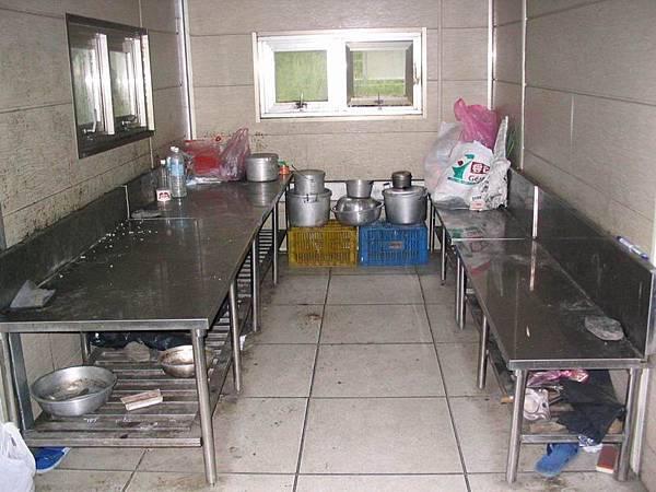 山屋內的廚房