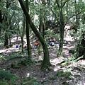山莊前方的紮營處