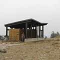 主峰下的生態廁所