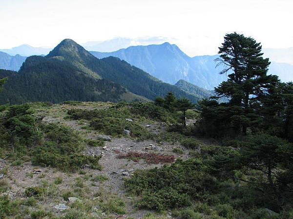 奇峻山3519m