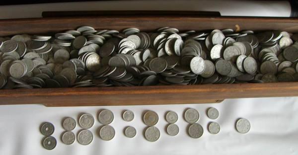 (22)近代文物     台灣日據時代錢幣