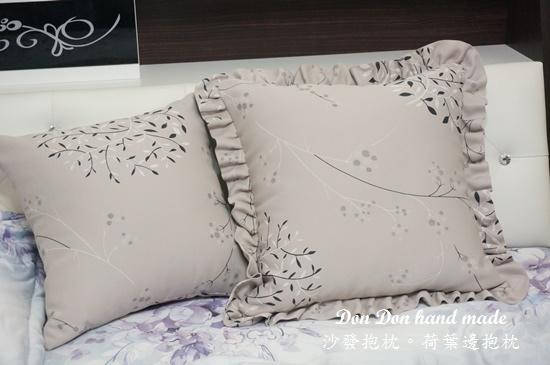 沙發抱枕。荷葉邊抱枕(5)