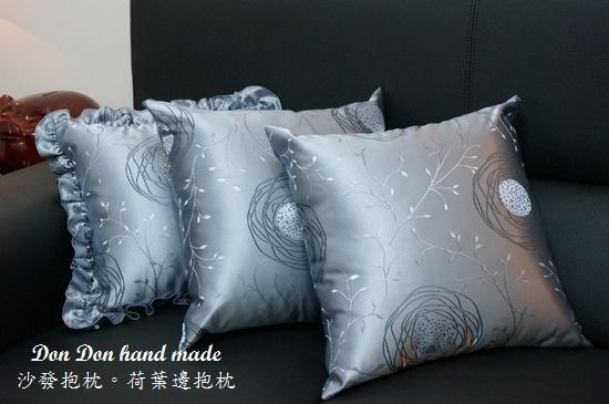 沙發抱枕。荷葉邊抱枕(4)