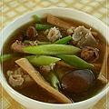 20101210魷魚螺肉蒜湯