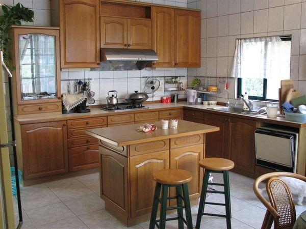 寬敞明亮的廚房