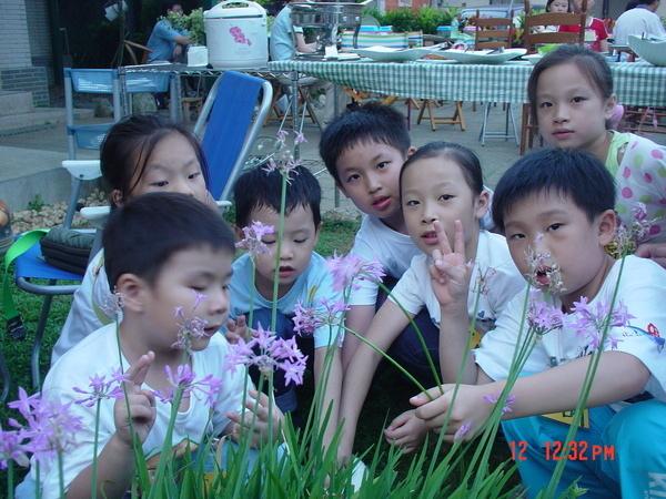 YA~ 花園合照一張