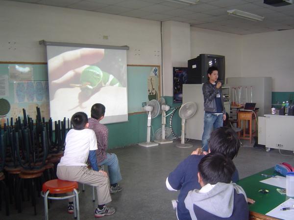 老師拍的生態圖片 鳳蝶幼蟲