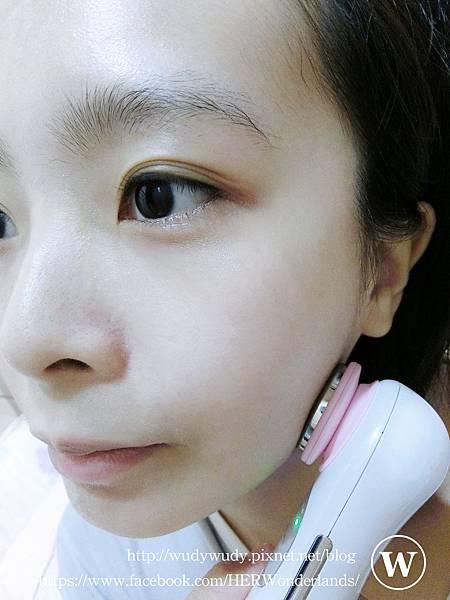 ibo 艾波女孩 B16 美肌重煥導入導出美容儀23.JPG